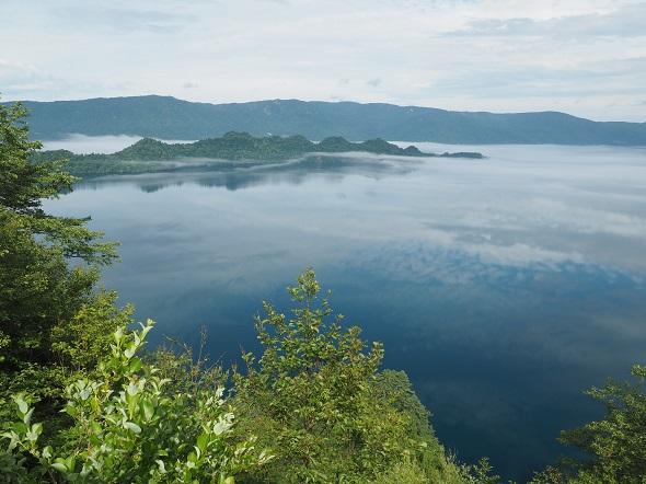 霧の十和田湖2